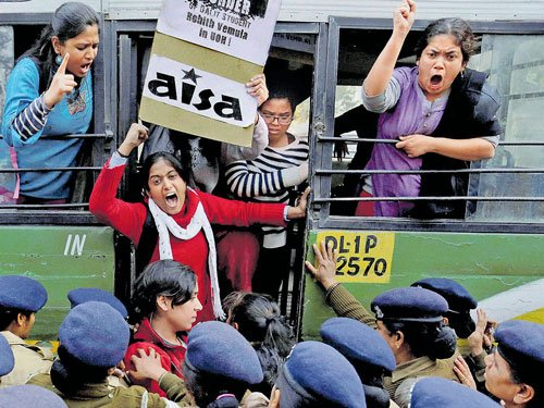 Dalit teachers want VC sacked to resume classes