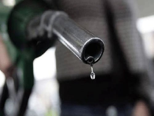 Excise duty hiked on petrol by Re 1/litre, on diesel by Rs 1.5