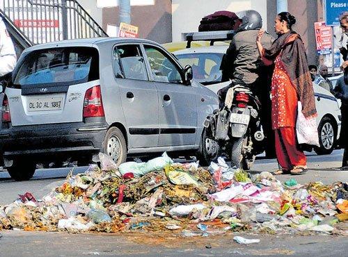 Garbage piles up as strike enters Day-4