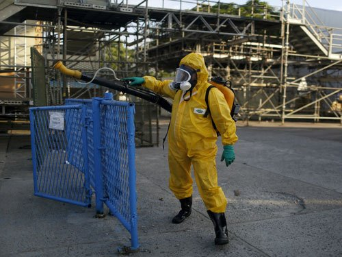 Athletes in Rio stay inside, slather on repellent for Zika