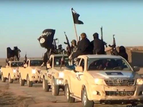 'SAS troops using dummies to trick IS jihadis into death trap'