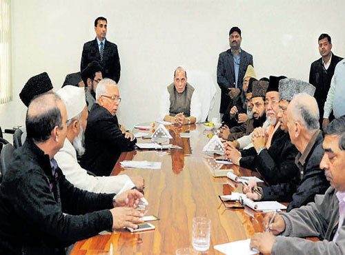 Rajnath meets Muslim clerics to tackle IS