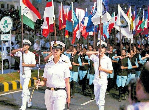Naval diplomacy checks Chinese tactics