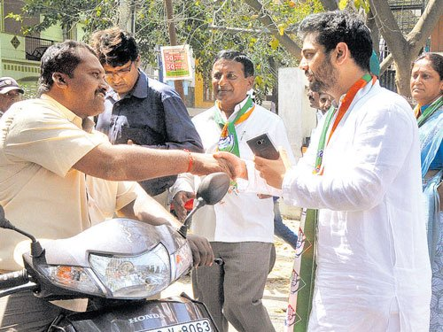 Candidates sweat it out for Hebbal