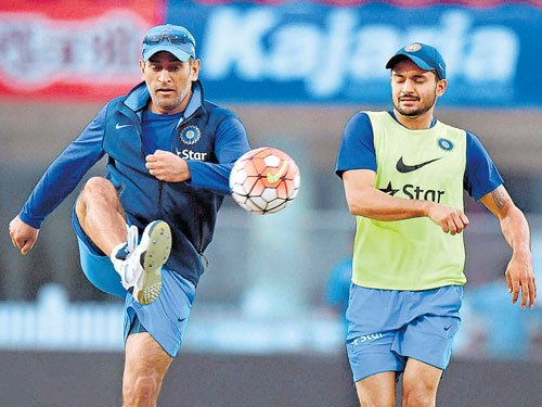 Twenty20 : Rattled India need to win to stay afloat