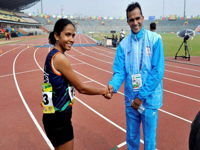 Kavita clocks Rio qualifying time; Rawat triumphs