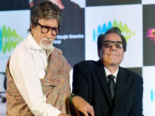 Amitabh Bachchan is engine of Bollywood: Dharmendra