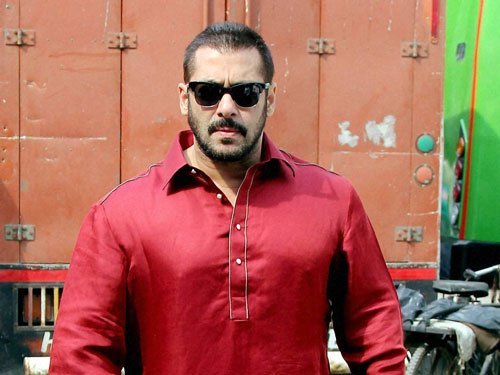 Want to be out of awards race: Salman Khan
