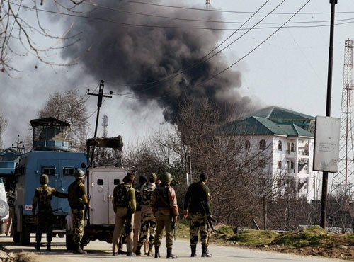 Pampore encounter: No hurry to flush out militants, says army