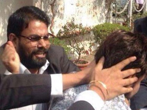 Lawyer caught on camera thrashing journos, students arrested