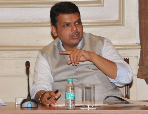 Assault on cops is attack on police force, says Fadnavis