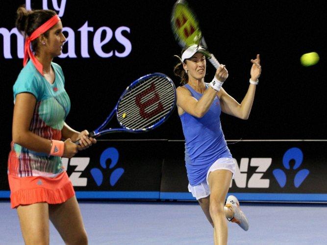 Sania-Hingis 41-match winning streak comes to a halt