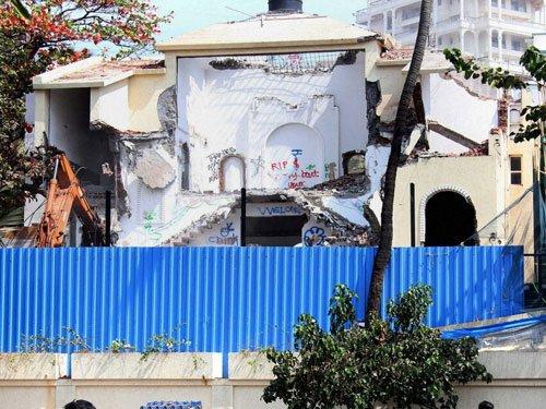 Rajesh Khanna's bungalow Aashirwad being demolished