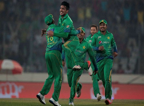 What Amir did was his own fault, no one should cry: Waqar