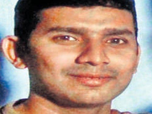 Thane man butchers 14 of family, kills self