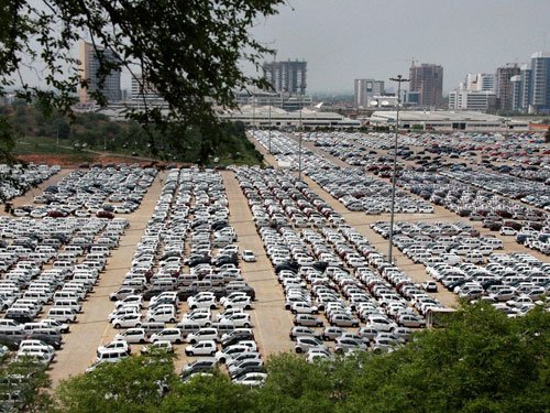 No big announcements to push eco-friendly cars