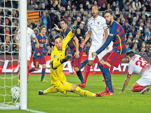 Dominant Barca march on