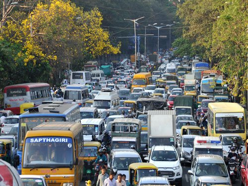 Farmers protest causes traffic chaos in B'luru