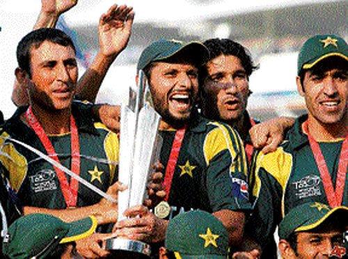 When Afridi helped Pak climb the summit