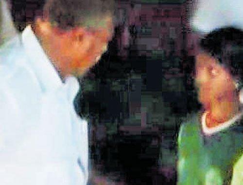 Minister's night visit to hostel kicks up row