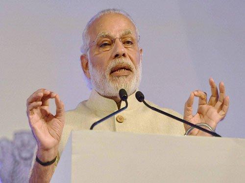 In Bihar, PM slams Cong, lauds Nitish