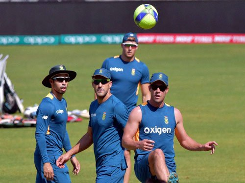 Desperate England face S African test