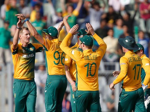 South Africa outsmart fighting Afghanistan to remain in hunt