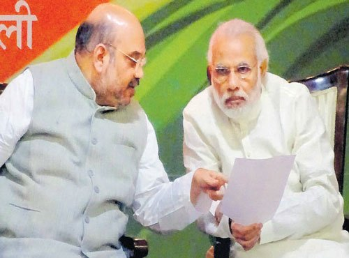 Focus on work, ignore Oppn: Modi to workers