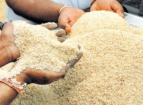 Left promises rice at Rs 2 per kg