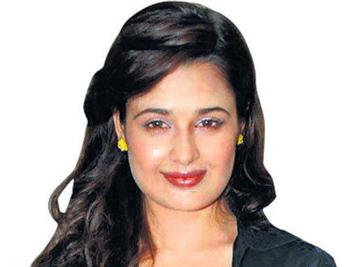 yuvika chaudhary twitter