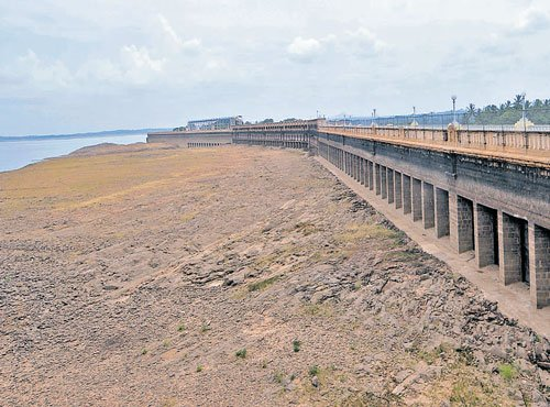Dipping water levels in dams ring alarming bells for City