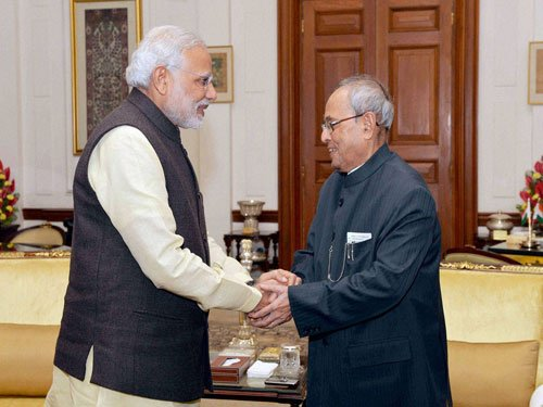 PM holds Cabinet meeting, option of Prez Rule in U'khand