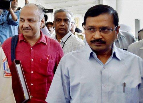 Delhi govt presents Rs 46,600 cr budget;garments, shoes may be cheaper