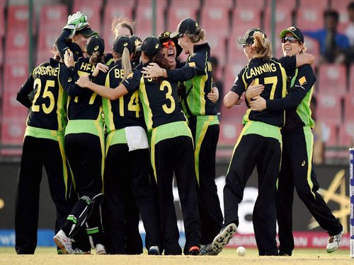 Australia enter 4th straight final after spectacular fightback