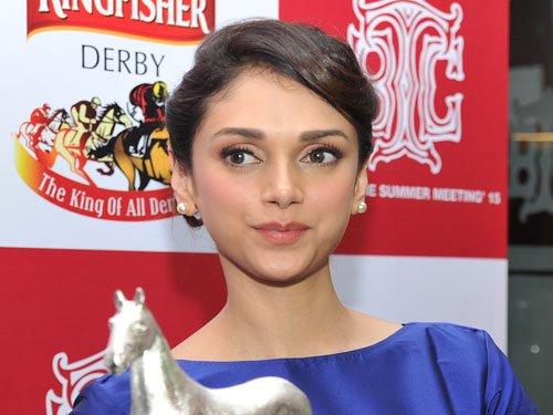 Wish to star in 'Saheb Bibi Aur Ghulam' remake: Aditi