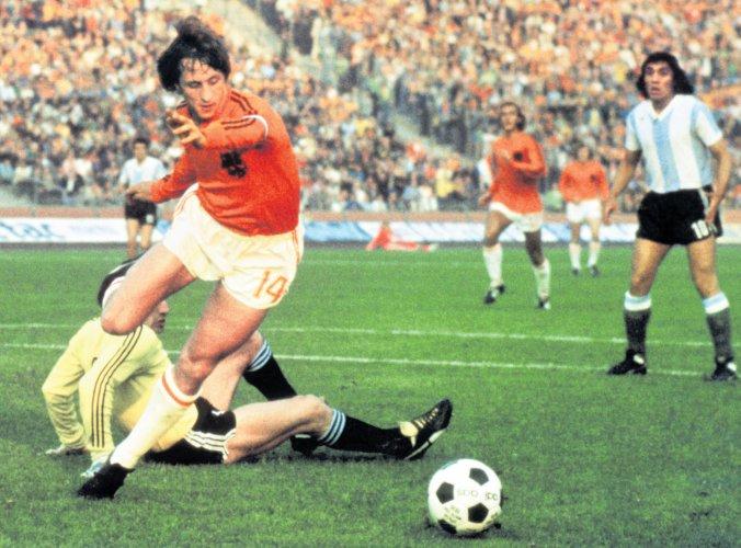 Cruyff's immortal turn
