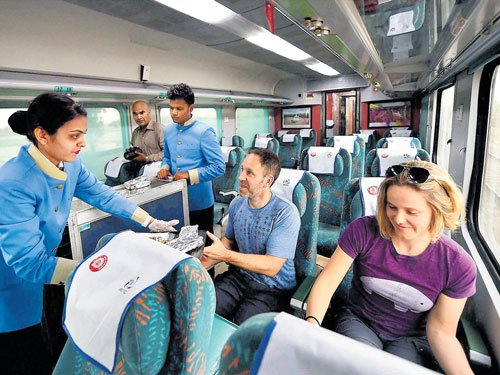 Travel Delhi to Agra in 99 minutes