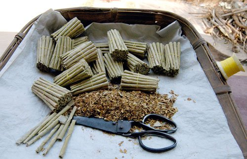 Beedi makers stop production over larger pictorial warnings