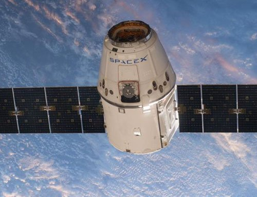 SpaceX cargo arrives at crowded space station
