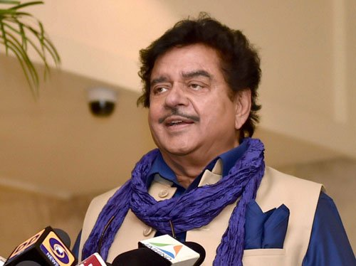 Shatru 'happy' on 'brother' Nitish's elevation as JD(U) prez