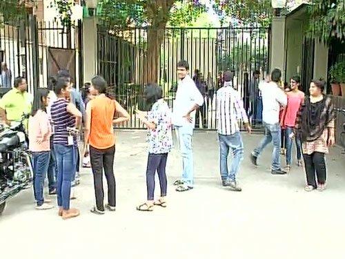 6.8 quake jolts Pak, N India, sparks panic