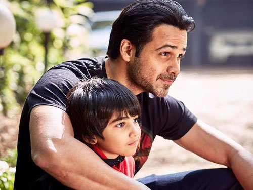 Amitabh Bachchan applauds Emraan for being 'brave father'