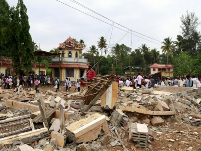 7 temple officials surrender; Police grill them