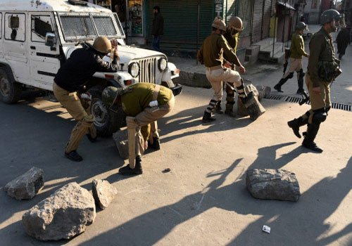 Kashmir remains tense, one more youth dies in clashes