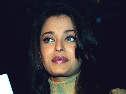 Aishwarya stays mum on controversy over Panama Paper leaks