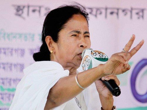 EC sends show cause notice to Mamata