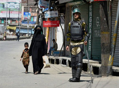 Restrictions remain in force in Kashmir