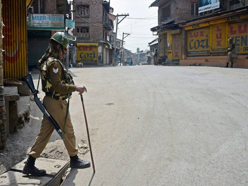 Paramilitary forces rushed to J&K