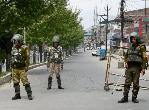 Life in most parts of Kashmir limping to normalcy