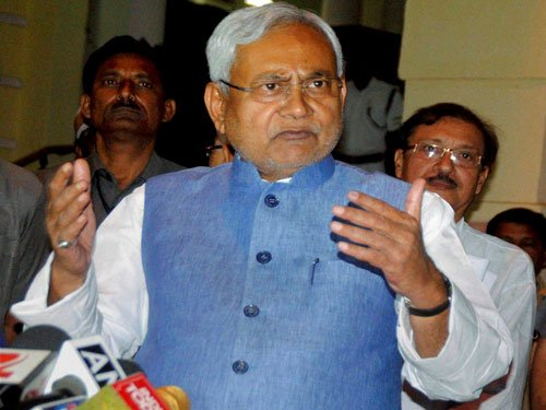Cong backs Nitish's call for RSS-free India, BJP hits back